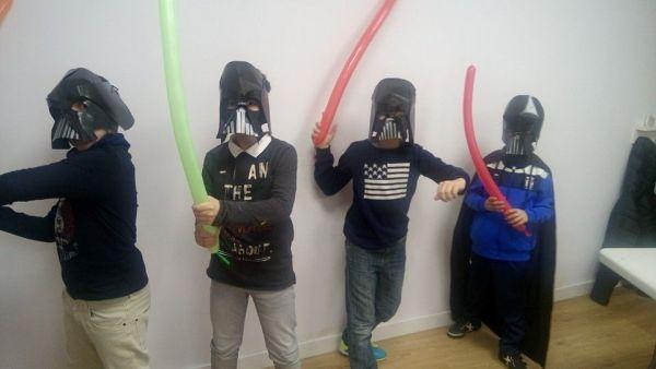 Taller de máscara de Darth Vader en Little London para Carnaval