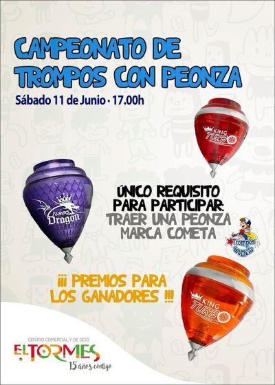 Campenato de trompos con peonza en el Centro Comercial El Tormes
