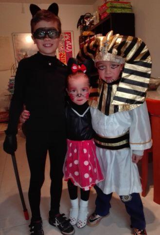 Los 3 chulitos disfrutando del lunes carnaval
