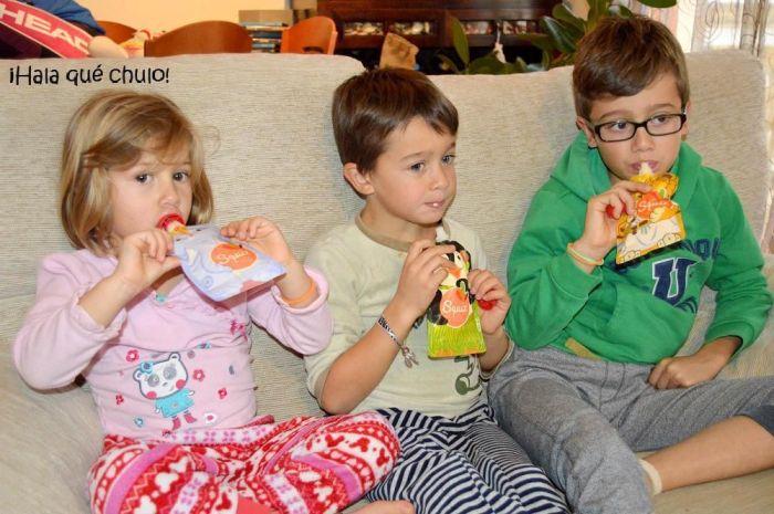 Los 3 chulitos merendando con las bolsas Squiz