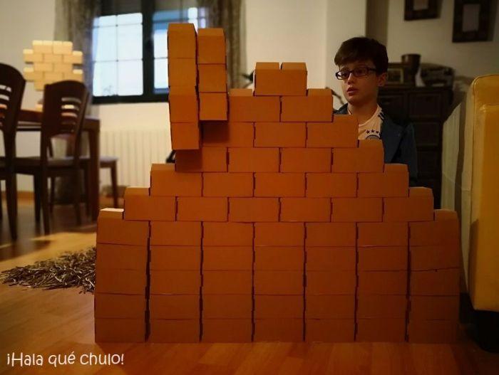 Una casita con chimenea y su arquitecto