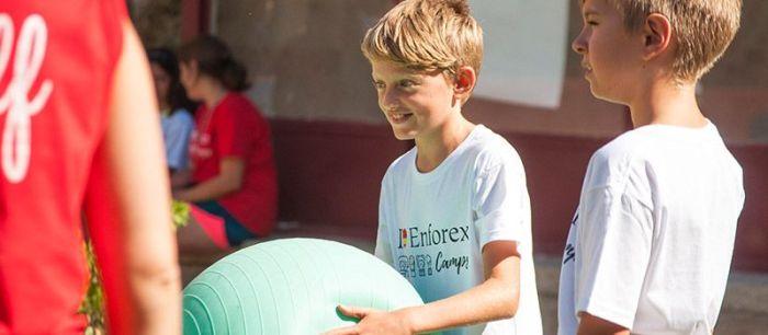 La diversión forma parte del aprendizaje del inglés en los campamentos internacionales