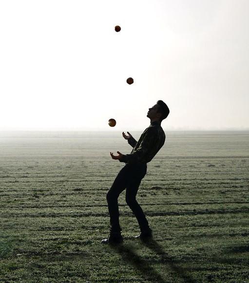 Ein Ball geht noch. Und noch einer. Und noch einer? 3