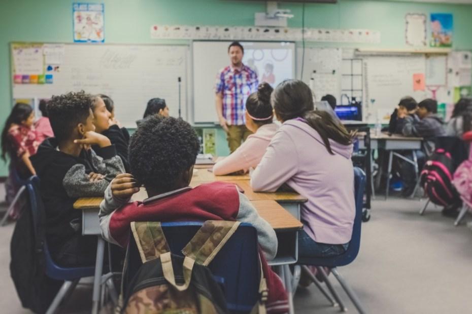 Der Lehrer als König im Klassenzimmer #5 1