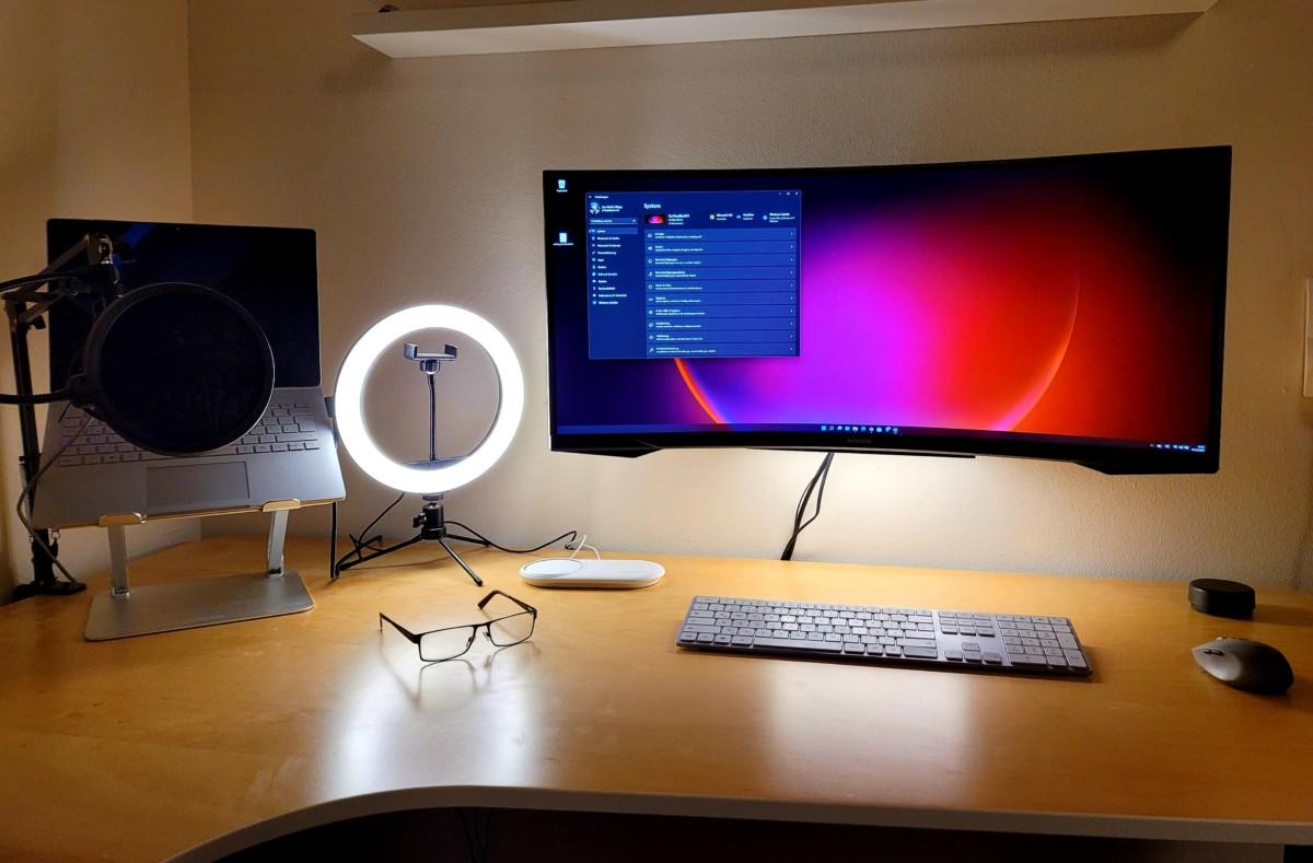 Mein Arbeitsplatz in der Schule: Schreibtisch, Monitor, Wellness 5