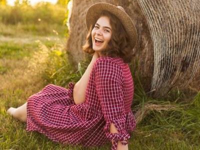 Olivia Sunset Open Field Senior Session || Southern Illinois Photographer