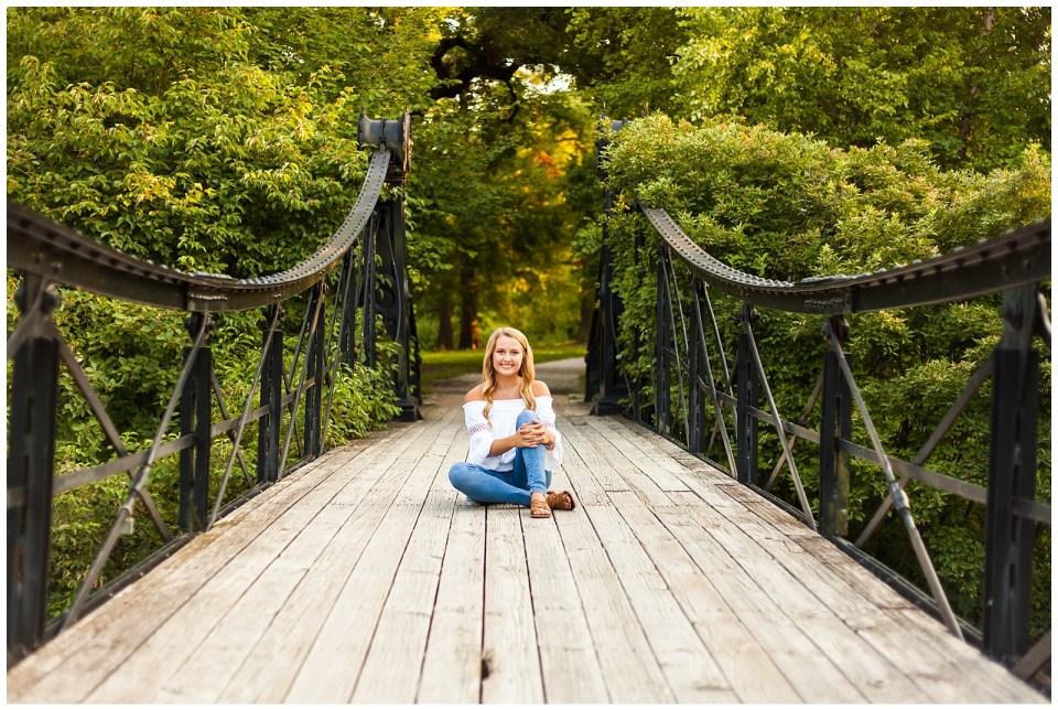 St. Louis - Senior Photographer - Forest Park Session