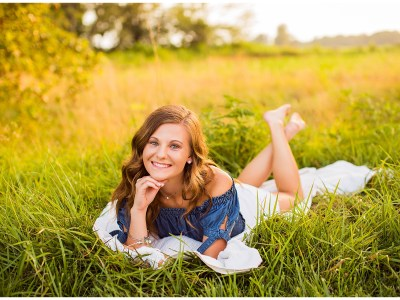 Sydney Summer Country Session || Southern Illinois Senior Photographer