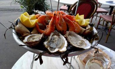 plat de fruits de mer seacuterie Frankrijk witte wijn