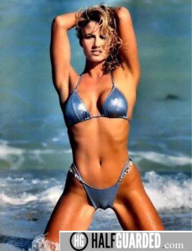 WWF Sunny bikini