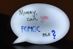 Mommy, can you pomoc me?