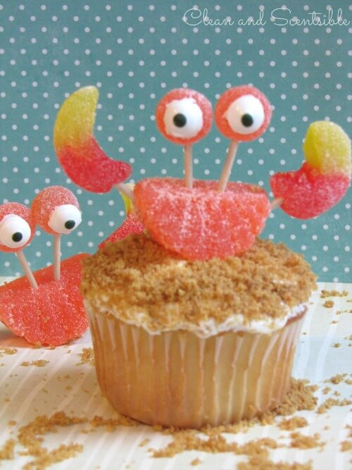 Mini-Oscars: The best children's movies of 2016 voted on by children | Halfpint Design - these crab cupcakes are darling AND easy to make!