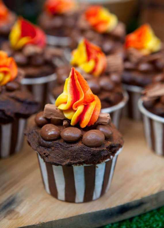 Top Party Trends for 2017. Trend 1: Still loving nature...fairy garden, lumberjack, camping, glamping, woodland, cactus. | Halfpint Design - Cute campfire cupcakes for a camping party