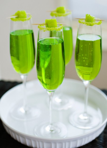Green party supplies | Halfpint Design - This festive green drink makes a great St. Patrick's Day party or a fun addition to a Dinosaur party, Princess and the Frog party, reptile party, etc.