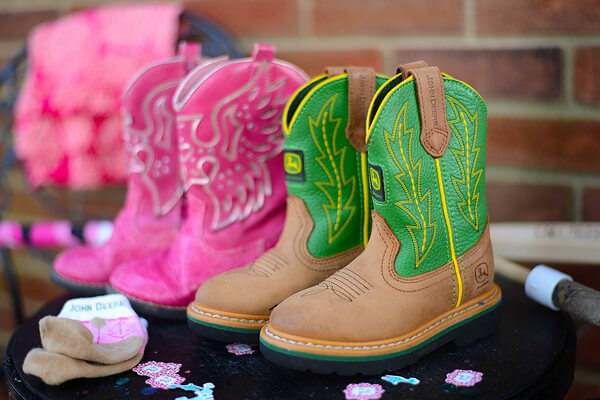 Humorous Gender Reveal Party Ideas | Halfpint Design - Boots or bows theme with darling little boots for both a boy and a girl. I like their style! The green John Deere boots are perfect!