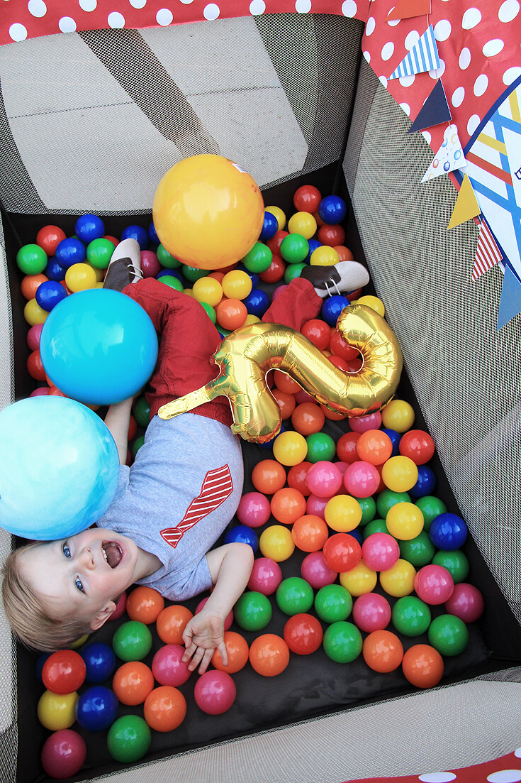 Have a Ball Party Reveal | Halfpint Design - 2nd birthday, baby ball pit fun! halfpintpartydesign.com