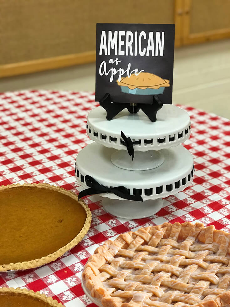 For dessert a pie table. And what's more American than apple pie? Maybe a Red, White, and BBQ Party! | Halfpint Design - summer party, Memorial weekend bbq, 4th of July, Labor Day party, BBQ party, Oktoberfest, neighborhood grill, brat party