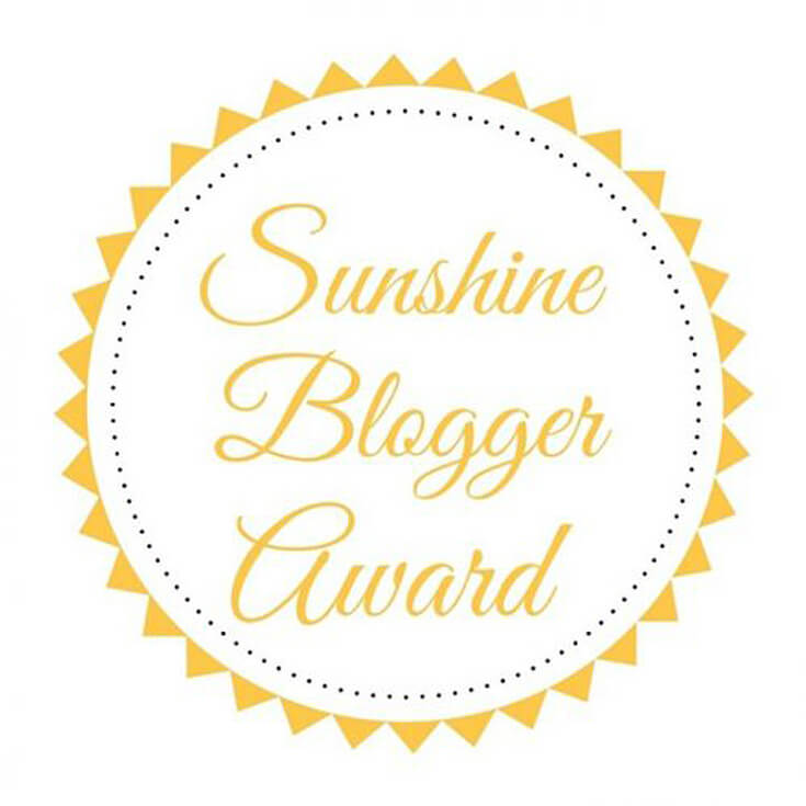 This award is given by bloggers to other bloggers who are positive, inspiring and creative. Sunshine Blogger Award | Halfpint Design