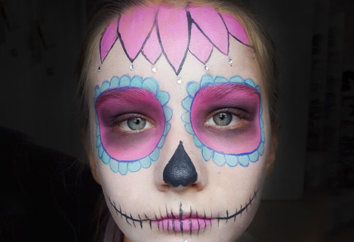 Sweet Sugar Skull Makeup Tutorial