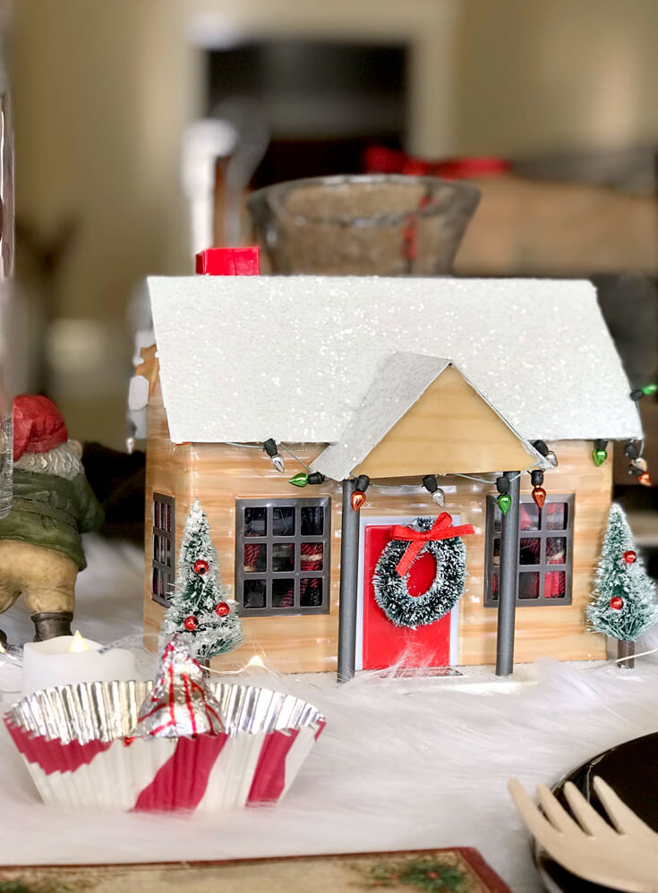 Looking for some good ol' fashioned Christmas decor? Mix in a few pieces of new decor with a vintage feel. Check out all the details of this Cozy Cottage Christmas Tablescape on Halfpint Design. Farmhouse Style Christmas table, Vintage Christmas.