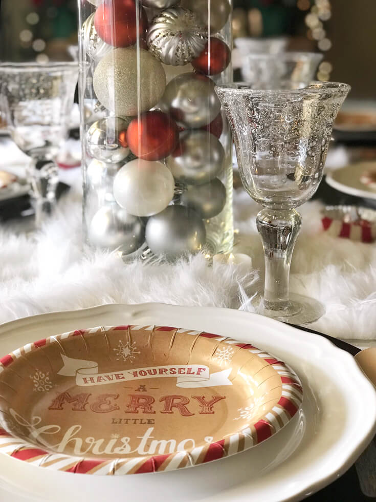 Looking for some good ol' fashioned Christmas decor? Bubble glass goblets add old world charm. Check out all the details of this Cozy Cottage Christmas Tablescape on Halfpint Design. Farmhouse Style Christmas table, Vintage Christmas.