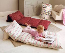 How to Make a Pillow Bed for Your Kids| Pillow Bed, Pillow Bed for Kids, Kid Stuff, DIY Pillow Bed, Kids, Kid HAcks, Popular Pin #KidStuff #KidHacks