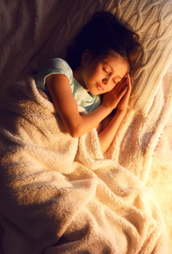 When Your Child Is Afraid Of The Dark | parenting | tips and tricks | kids afraid of the dark | children afraid of the dark | parenting tips | parenting tricks