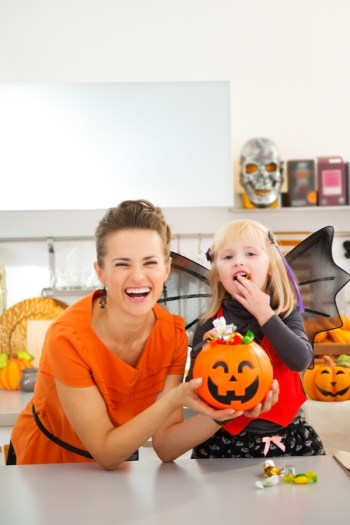 ways to manage your child's Halloween candy | Halloween | Halloween candy | parenting | tips and tricks | candy