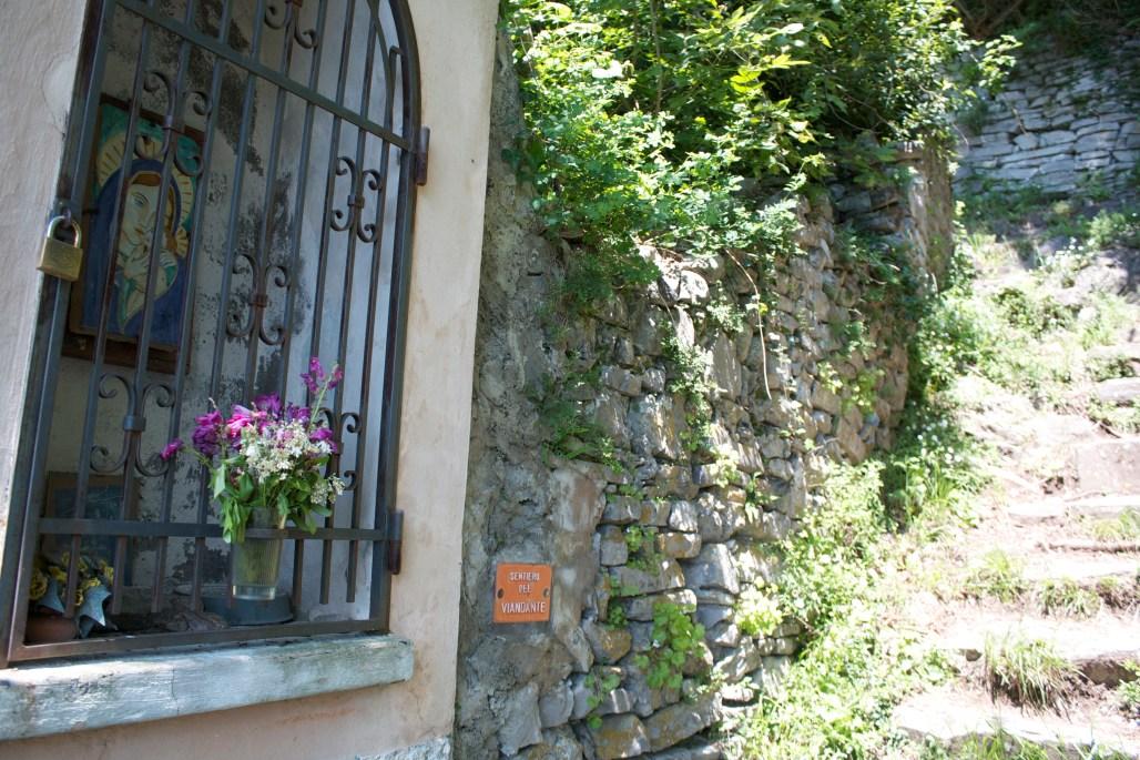 Sentiero Del Viandante hike trail lake Como Italy