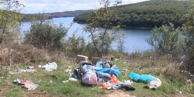 Ömerli Barajı'nın çevresi çöplüğe döndü: Köylüler durumdan şikayetçi