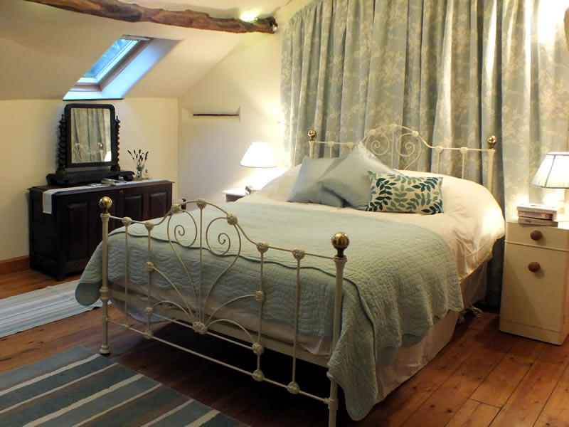 Double bedroom, Byre Cottage