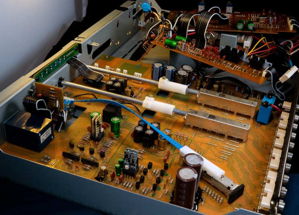 Another angle of the inside of the Kenwood C-2 restored.