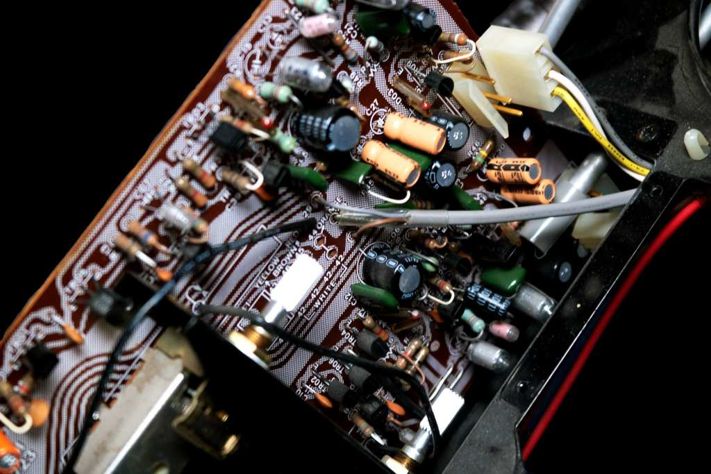 AU-517 Equalizer Board stock wiring