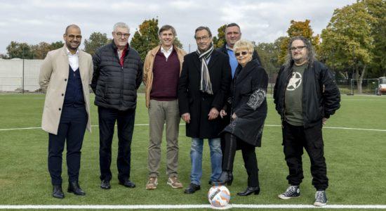 Der SV Gelsenkirchen-Heßler 06 hat ein neues Kunstrasenspielfeld. Fußball-Nationalspieler Ilkay Gündogan spielte dabei eine entscheidende Rolle.