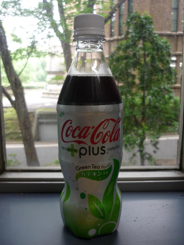 Coca Cola plus Green Tea