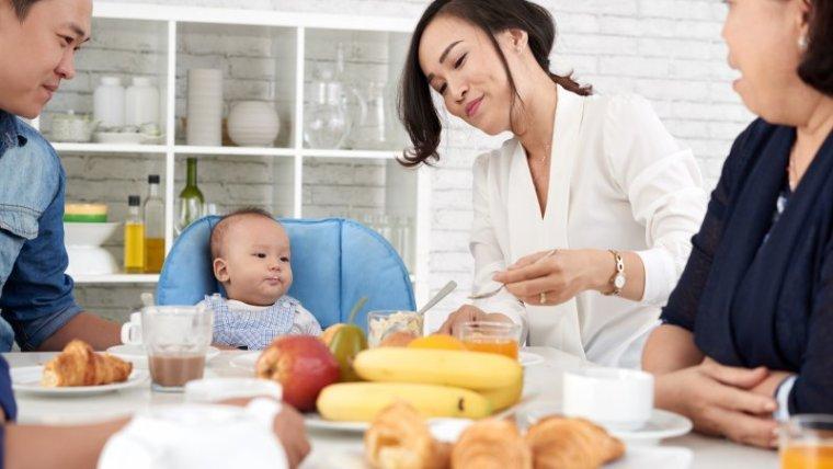 Jenis Makanan Bayi 6 Bulan yang Baik untuk Pertumbuhan