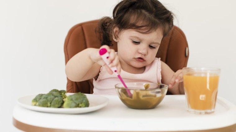 6 Jenis Makanan Bayi 1 Tahun yang Pasti Disukai Si Kecil