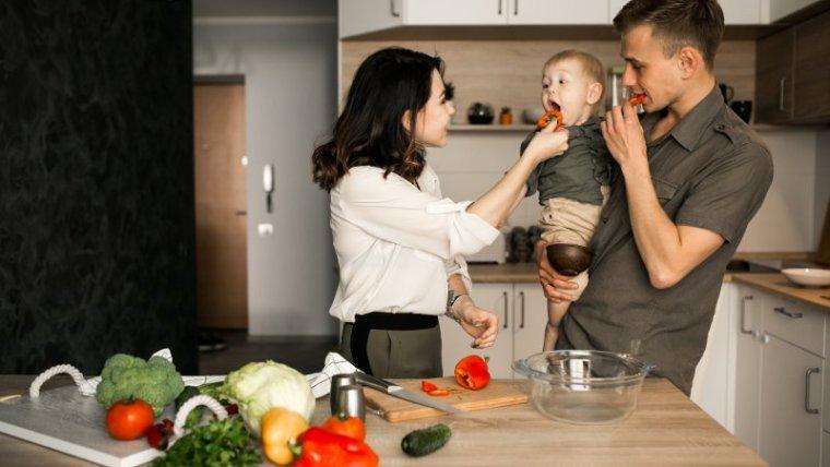 Moms, Ini Keuntungan Mengurus Anak Sendiri Tanpa Pengasuh