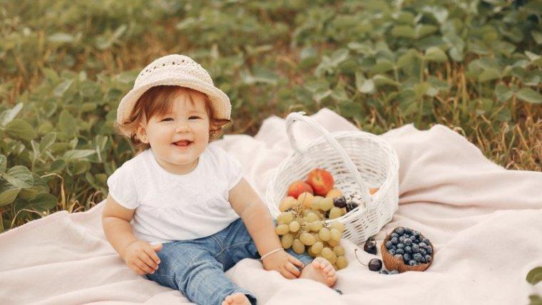 Jangan Sembarangan! Ini Jadwal Makan Bayi 12 Bulan yang Benar
