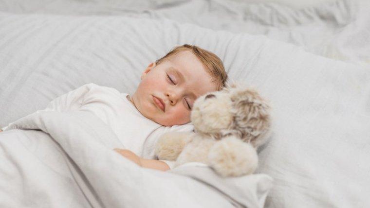 Siklus Pola Tidur Bayi Baru Lahir 0 Sampai 12 Bulan, Wajib Tahu Moms!