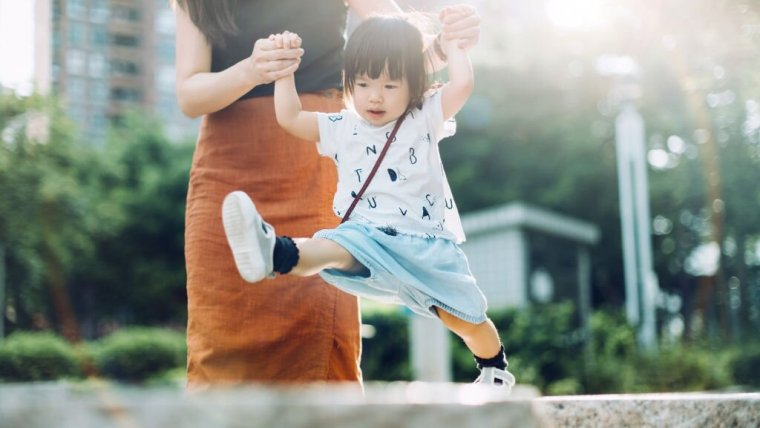 Jangan Sampai Keliru, Ini Cara Mendidik Anak yang Hiperaktif