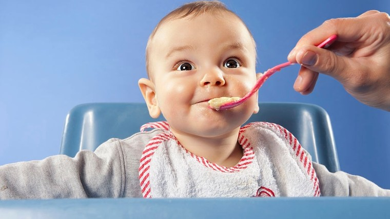 Yuk Moms Coba 4 Menu MPASI 9 Bulan Penambah Berat Badan untuk Si Kecil!