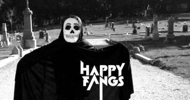 happy-fangs