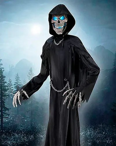 towering-reaper-10ft-animatronic-from-spirit-halloween
