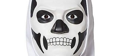 fortnite-skull-trooper-mask-from-spirit-halloween