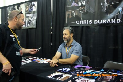 HDN's Matt Artz interviewing Chris Durand at H40: Forty Years of Terror. (Photo by Sue Artz for Halloween Daily News.)