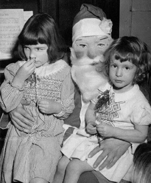 📷 the 13 most Disturbing Santa Claus Photos on the Net 🎅 9