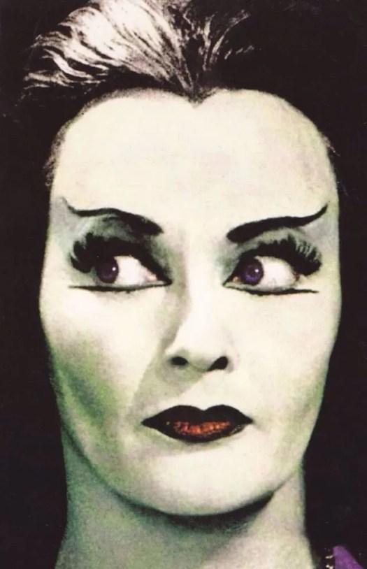 📷 Amazing Color Photos of Lily Munster, Yvonne De Carlo 16