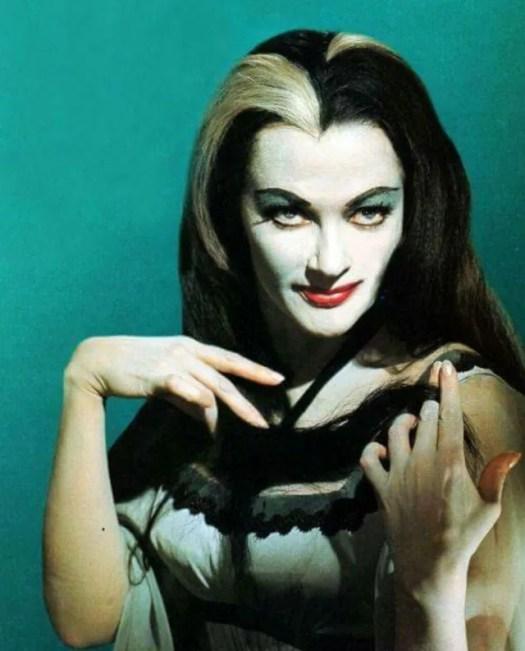 📷 Amazing Color Photos of Lily Munster, Yvonne De Carlo 8