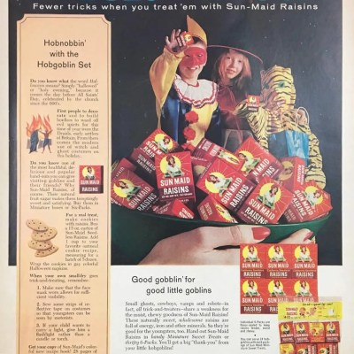 Classic and Vintage Halloween Publication Ads 31